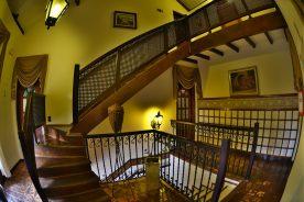 Escadas – Pousada Estalagem Brotas
